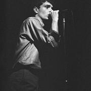 Ian Curtis zmarł 40 lat temu. Oto ciekawostki o wokaliście Joy Divison