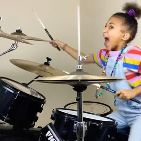 9-letnia perkusistka