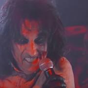Alice Cooper zagrał z Foo Fighters i stracił głowę w halloweenowym show