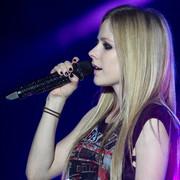 Avril lavigne z nową piosenką o chorobie