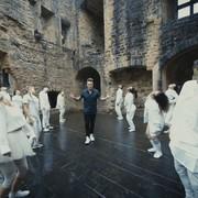 "Balet w nowym teledysku Papa Roach do ""None Of The Above"""