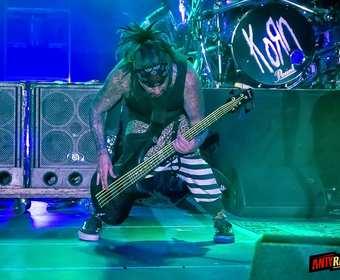 Basista Korna zapowiedział solowy album jazzowy