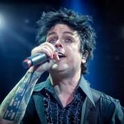 Billie Joe Armstrong i Kat Von D stworzyli oficjalny eyeliner Green Day