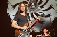 """Chris Cornell przed śmiercią coverował Guns N' Roses. Posłuchajcie """"Patience"""""""