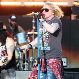Czy muzykom Guns N' Roses nie wolno rozmawiać z osobami z ich przeszłości?