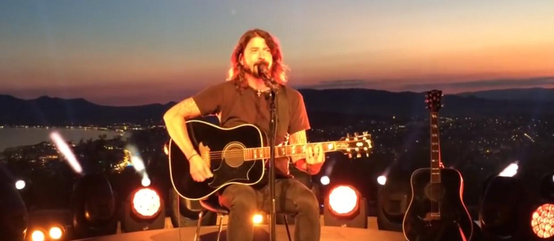 Dave Grohl dał akustyczny występ w Cannes
