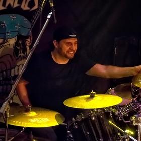 Dave Lombardo: Niektóre młode kapele wszystko pieprzą, bo są niewdzięcznym gównem