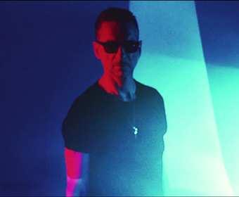 """Depeche Mode coveruje """"Heroes"""" Davida Bowiego – zobacz oficjalny teledysk"""