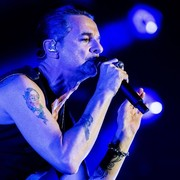 """Depeche Mode wykonał na żywo """"Heroes"""" Davida Bowiego"""
