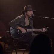 """Eddie Vedder zagrał nową piosenkę w serialu """"Twin Peaks"""""""