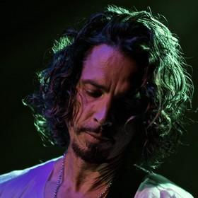 Fani z Polski chcą uczcić Chrisa Cornella na koncercie Guns N' Roses
