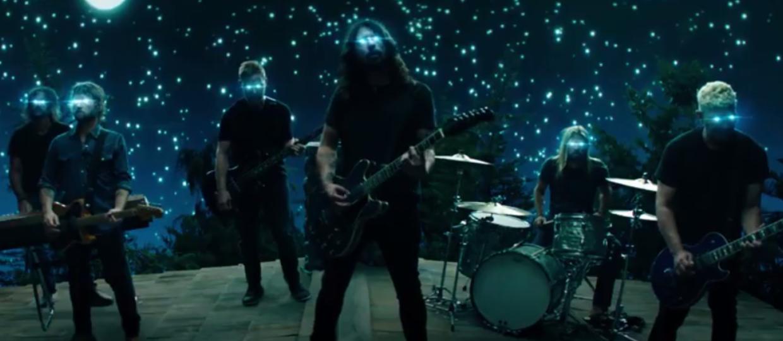 """Foo Fighters w teledysku do """"The Sky Is A Neighborhood"""""""
