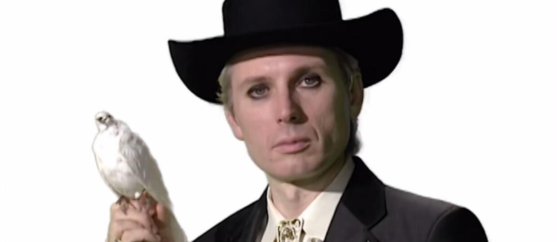 """Franz Ferdinand """"hipnotyzuje"""" w klipie do """"Feel The Love Go"""""""