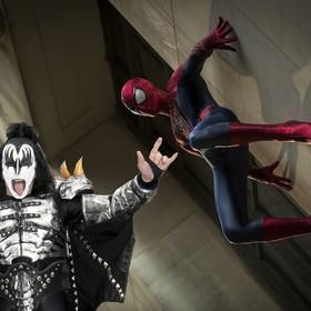 "Gene Simmons: ""Diabelskie rogi"" to mój hołd dla Spider-Mana"