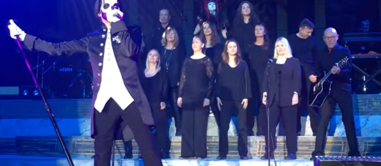 """Ghost po raz pierwszy zagrał """"Bible"""" z chórem"""