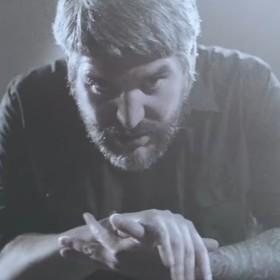 """Głos wokalisty Suicide Silence został usunięty z utworu do gry """"Devil May Cry 5"""""""