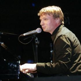 Grzegorz Ciechowski będzie patronem ulicy w Poznaniu