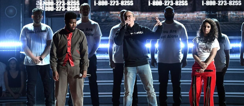 Hołdy dla zmarłych w 2017 roku wykonawców na gali Grammy