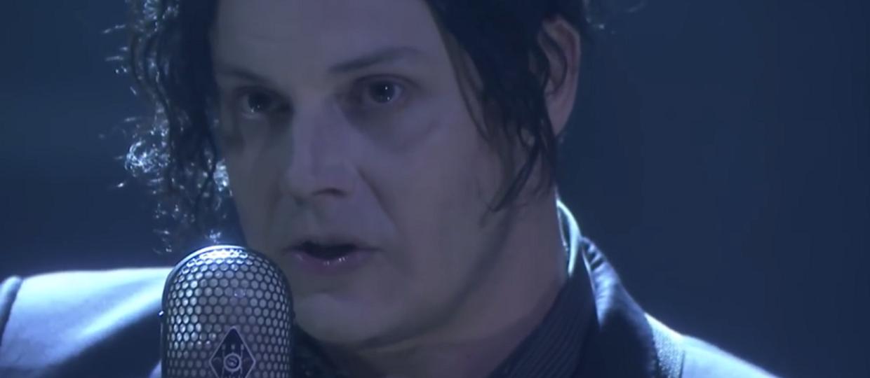 Jack White ze łzami w oczach podczas akustycznego występu