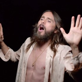 Jared Leto w klipie 30 Seconds to Mars