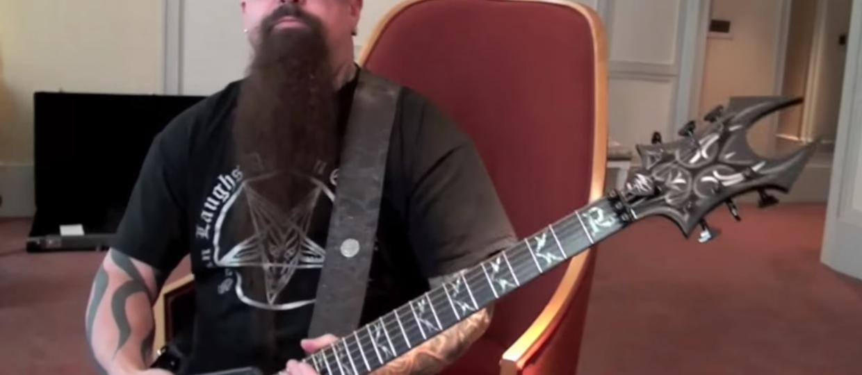 Kerry King uczy grać utwory Slayera