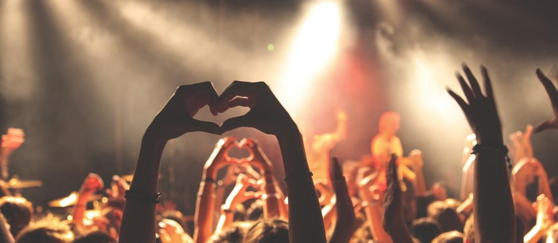 Koncerty na żywo będą brzmiały lepiej w słuchawkach?