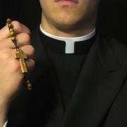 Ksiądz i katechetka zaśpiewali Shallow