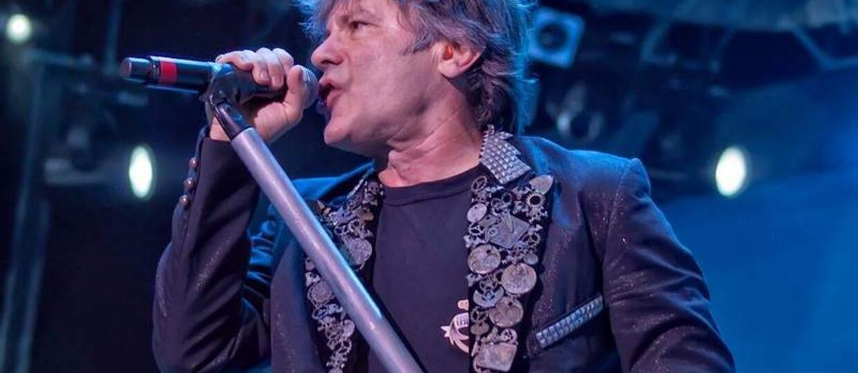 Których wokalistów ceni Bruce Dickinson?