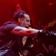 "Marilyn Manson opublikował cover utworu ""Cry Little Sister"" ze słynnego horroru"
