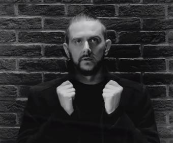 """Mariusz Duda w klipie """"Moving On"""" Lunatic Soul"""