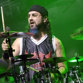 Mike Portnoy: Internetowe trolle przyczyniły się do samobójstwa Benningtona