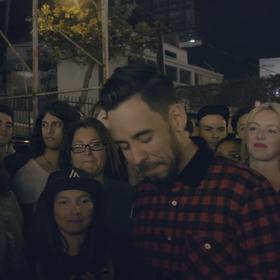 Mike Shinoda w utworze