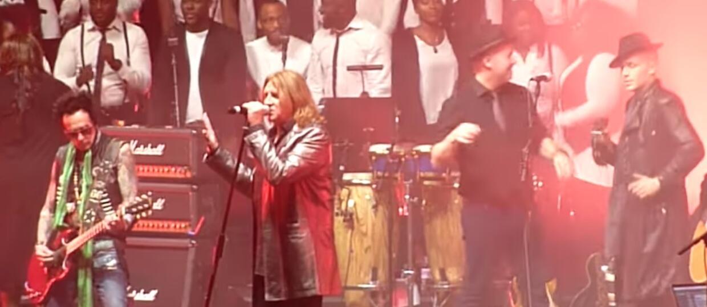 Muzycy Def Leppard i King Crimson na koncercie ku pamięci Davida Bowiego