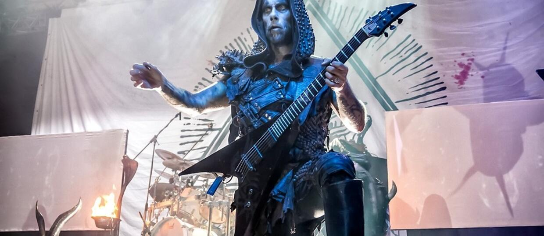 Nergal przeprosił urażonych filmem z figurką Jezusa na sztucznym penisie