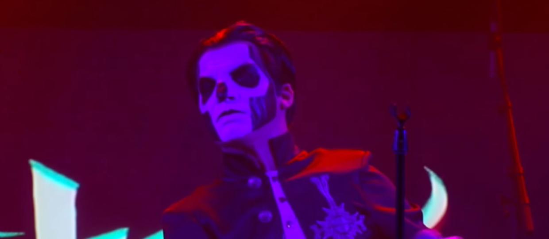 Obejrzyj akustyczny występ Ghost