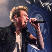 """Papa Roach pokazał """"krzywe zęby"""""""
