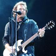 """Pearl Jam podzielił się nowym utworem """"Can't Deny Me"""""""