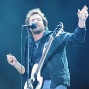 Pearl Jam przekazał 70 tysięcy dolarów dla mężczyzny, który uratował Eddiego Veddera