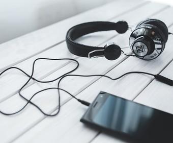 Polscy artyści, których najczęściej słuchano za granicą w 2016 według Spotify