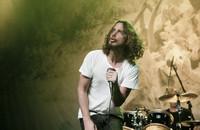 """Posłuchaj wcześniej niepublikowanego utworu Chrisa Cornella """"When Bad Does Good"""""""