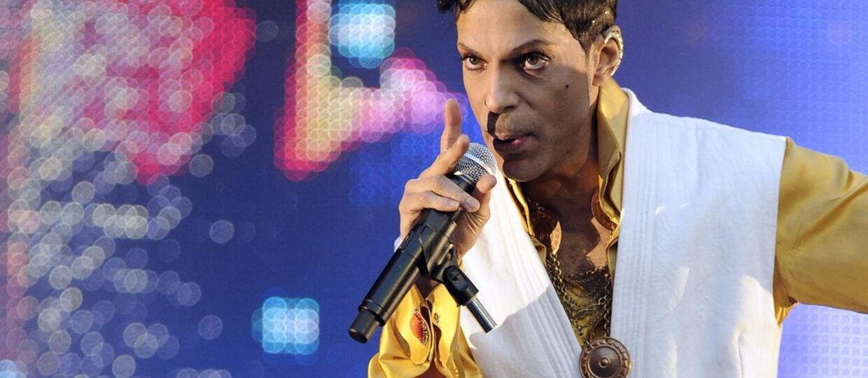 """Prince w chwili śmierci miał w organizmie """"nadzwyczajnie wysoki"""" poziom silnie uzależniającej substancji"""