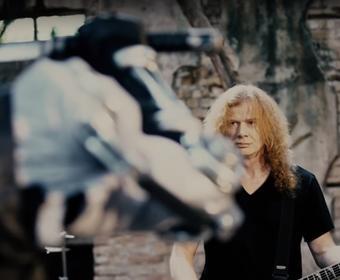 """Rattlehead jako mściciel z kataną w nowym teledysku Megadeth, """"Lying In State"""""""