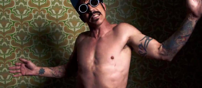 "Red Hot Chili Peppers w klipie do ""Dark Necessities"""