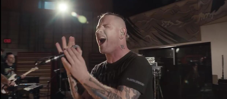 """Stone Sour w teledysku do """"Mercy"""""""