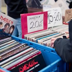Strona VinylHub znajdzie sklepy z winylami w twojej okolicy