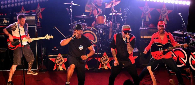 """Supergrupa muzyków Rage Against The Machine chce """"odkręcić ten pie*dolnik"""""""