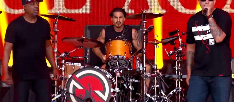 Supergrupa muzyków Rage Against The Machine zagrała przed więzieniem