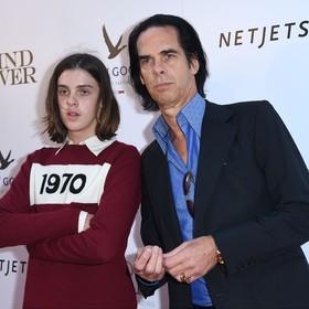 """Syn Nicka Cave'a zagrał w serialu Netfliksa """"The End of F**king World"""". Widzowie oszaleli na punkcie tego bohatera"""