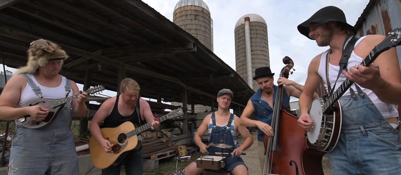 The Offspring w farmerskiej wersji Steve'n'Seagulls