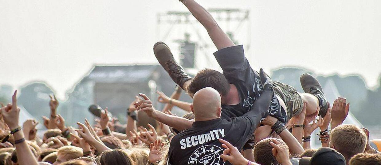 Twoje dziecko słucha rocka? Może należeć do neonazistowskiej organizacji